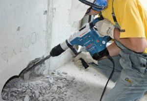 Демонтаж сооружений, межкомнатных перегородок, слом стен.