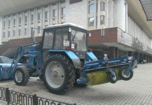 Трактора с щёткой в аренду
